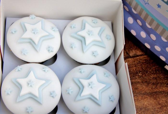 baby star cupcakes