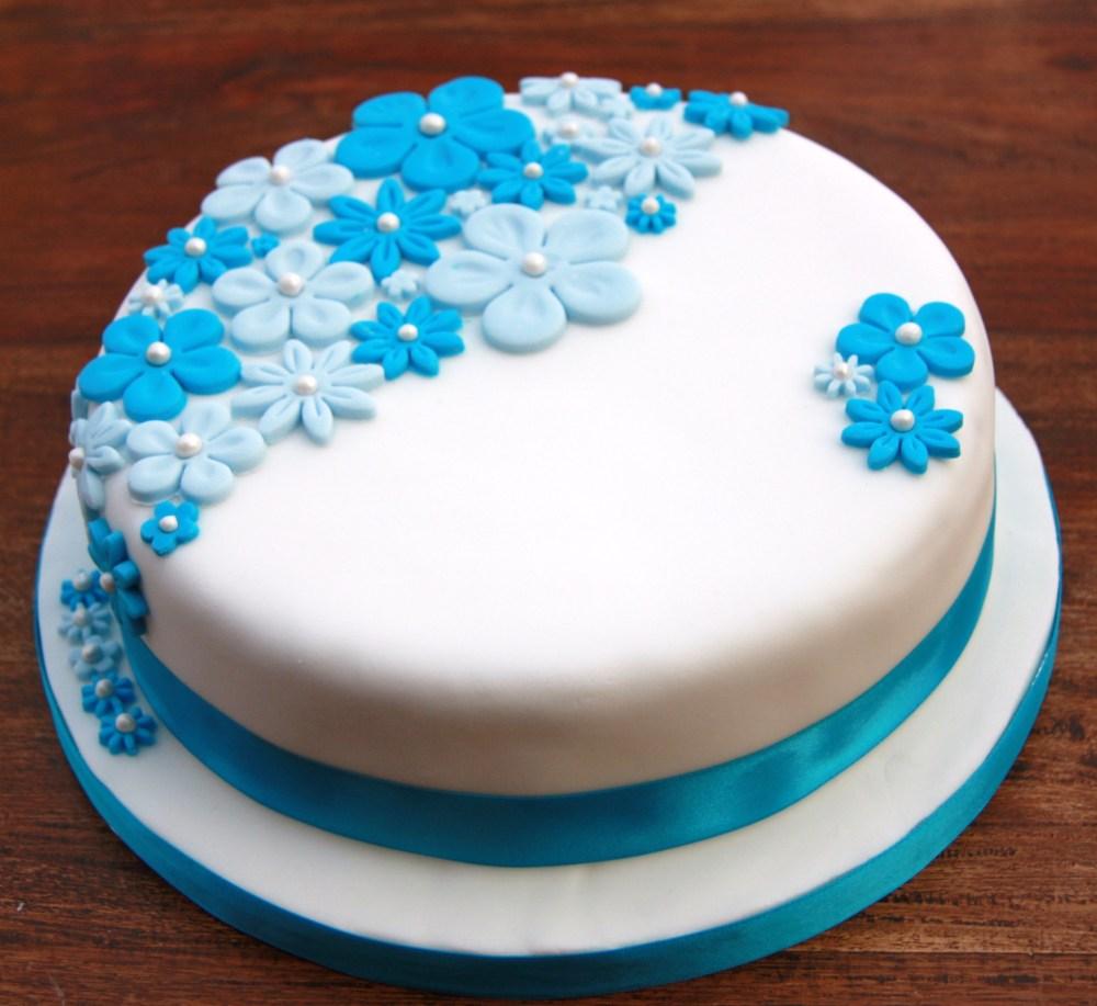 blue flower birthday cake