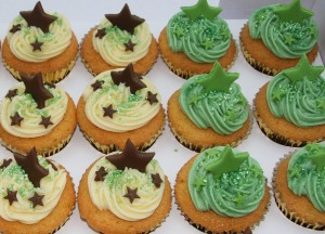 vanilla cupcakes star green