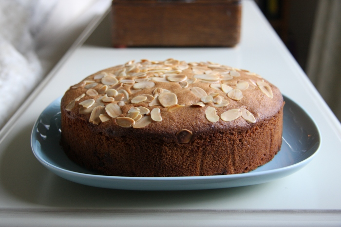 Cherry and Almond Cake | lovinghomemade