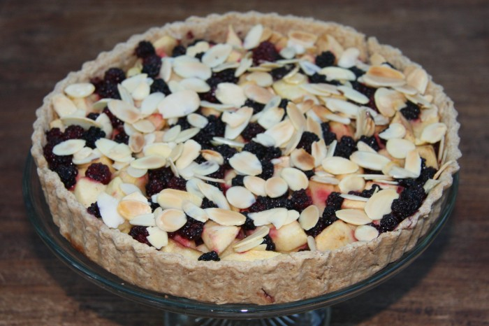 apple blackberry tart