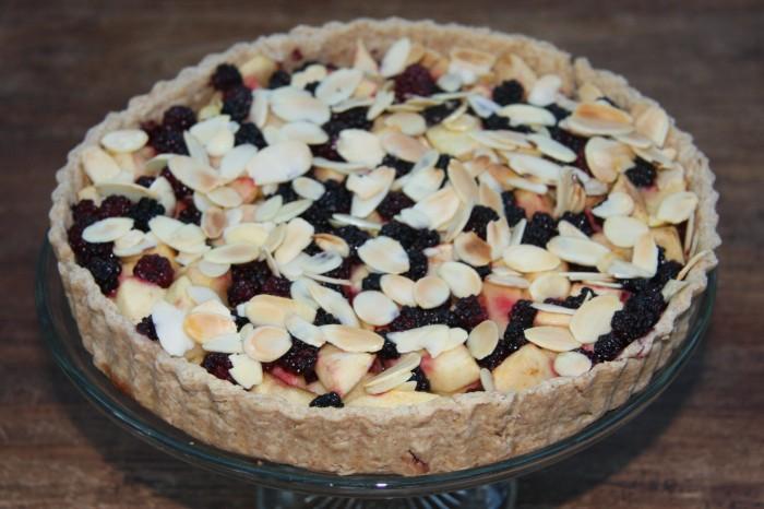 apple blackberry tart