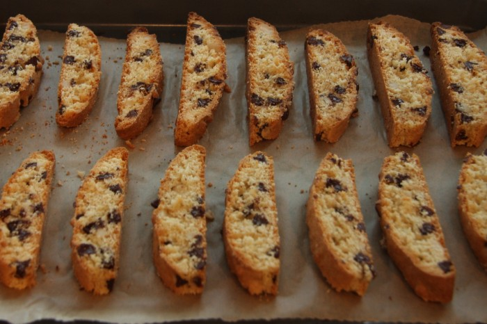 chocolate macadamia biscotti