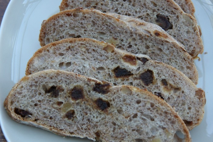 date walnut bread
