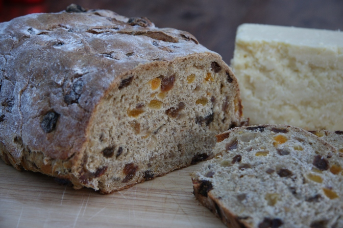 apricot date sultana loaf