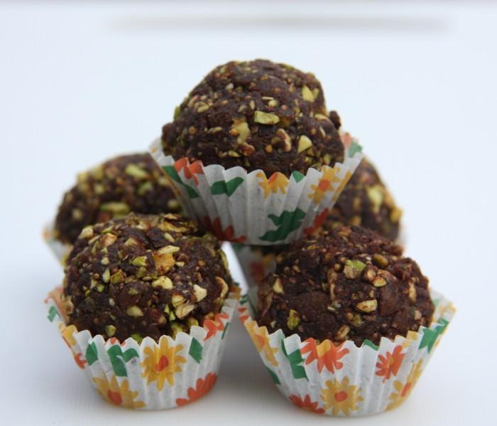 fig pistachio truffles