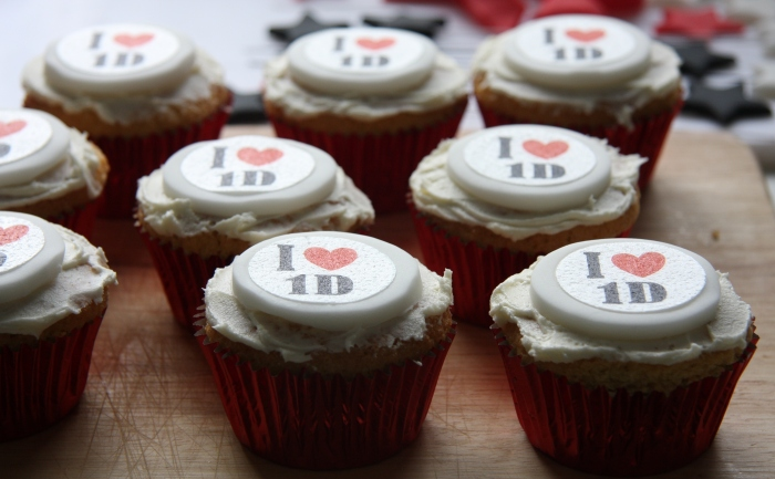 decorating 1d cupcakes