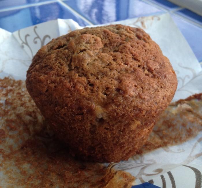banana cranberry muffin