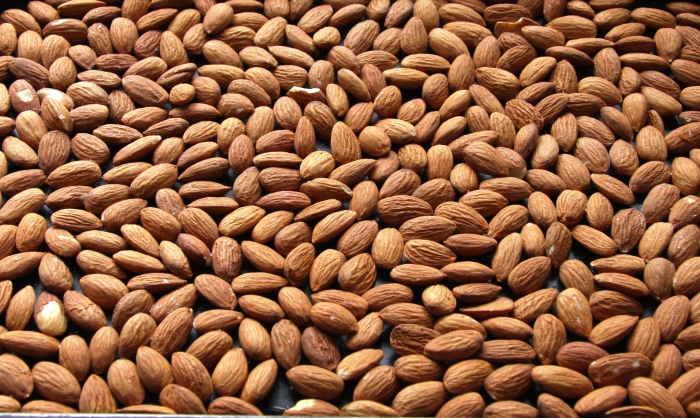 roasting almonds