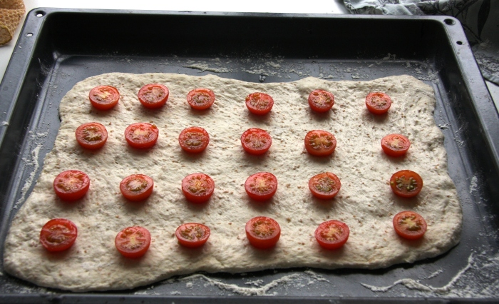 sourdough tomato flatbread