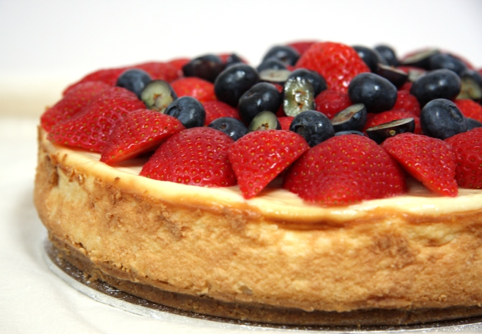 baked vanilla berry cheesecake