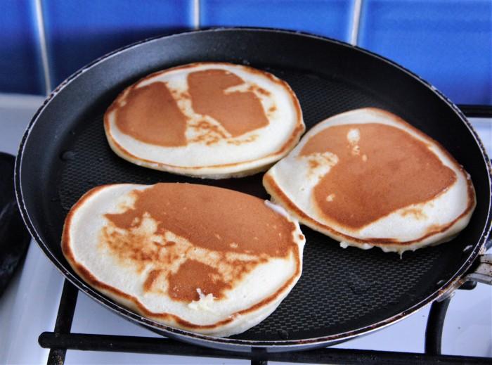 making american pancakes