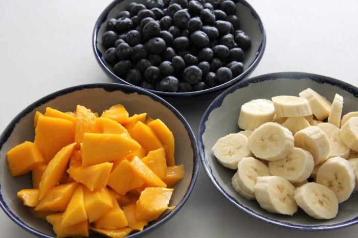 mango blueberry banana